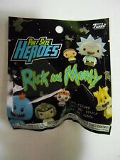 """PINT SIZED HEROES """"RICK AND MORTY"""" 1 X BLIND BAG (FUNKO)"""