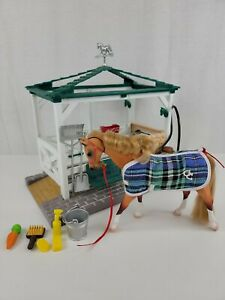 Vintage 1998 Empire Grand Champions Horse Feed N Groom Stable Barn Stall Playset
