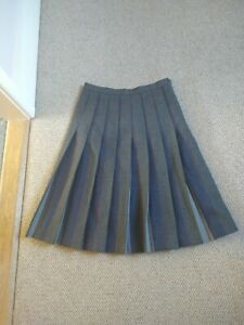Gor-Ray Skirt Wool Vintage Size 10 Grey Pleated Striped knee Length