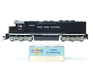 HO Scale Athearn 4104 NYC New York Central SDP-40 Diesel Locomotive #7240