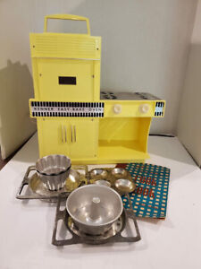 Vintage Kenner Easy Bake Oven with pans and original recipe book -Yellow #1600