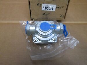 TRUCK QUICK RELEASE VALVE     A 5994  C UNIVERSAL COMPONENTS