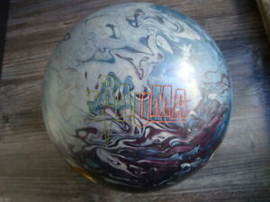 Bowlingball 14 lbs Trauma von Storm Reaktiver Bowlingball gebraucht