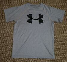 Under Armour boys loose fit gray shirt with black logo size Youth Medium