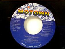 "COMMODORES ""WONDERLAND / LOVIN YOU"" 45 MINT"