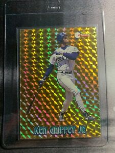 1994 Pacific Ken Griffey Jr Gold Prism Mariners