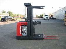 """Raymond Forklift Order Picker 3000Lb Cap. 204Lift 42"""" Forks W/Battery&Chgr"""