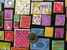 Fat Quarter in popeline di cotone con colorate Luminose in finta francobolli su Nero