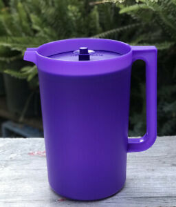 Tupperware Classic 1 Gallon PURPLE Pitcher with Push Button Seal NEW