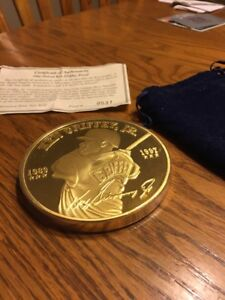 Ken Griffey Jr. Medallion One Pound Proof Layered .24k Gold Mint ! LTD. #