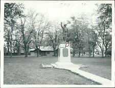 1938 American Legion Monument Beaver Utah Original News Service Photo