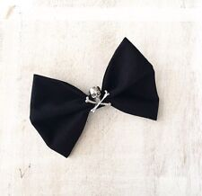 Nero Capelli Bow su clip con teschio e ossa incrociate sul-PIN UP-Rockabilly