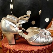 1940s Vintage Metallic Silver Peek a Boo Toe Heels