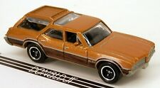 Matchbox 1971 Oldsmobile Vista Cruiser Gold Woodie Wagon '71 Olds 1:68 Scale