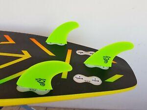 "NEW FCS ""Just Dreaming"" medium size surfboard FINS - Free Fin Key -Set of 3 fins"