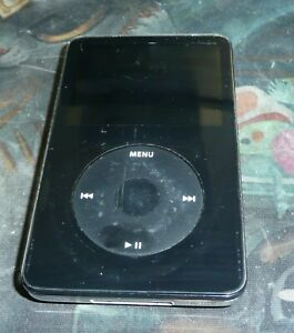 Apple iPod Classic 5th Generation A1136 30GB EMC 2065 Black BAD BATTERY