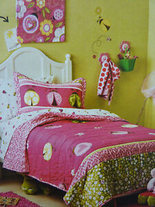 2 pc Circo LADYBUGS COLLECTION Twin Quilt & Sham Set - Pink, Green & White NEW