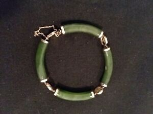 14K Yellow Gold Asian Inspired Jade Bracelet with safety chain 17.0 grams