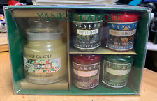 Yankee Candle Christmas Cookie 3.7 oz Candle Gift Box with 4 sample candles NEW!