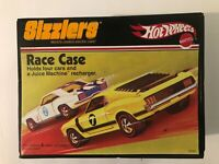 Hot Wheels 2006 Sizzlers Race Case with 1 Redline car. Case and car are in great