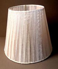 Lampenschirm / Weiß / Seidener Stoff / E14