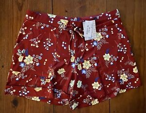 NEW RELEASE Lularoe Jessica Patch Pocket Shorts Extra Large XL Red Flower Print