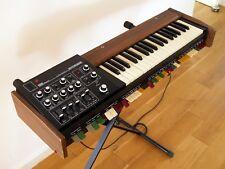 Roland SH-1000 analog Synthesizer, ca. 1973, der erste Synth von Roland