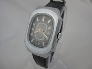 NOS NEW SWISS MADE MECHANICAL HAND WINDING WOMEN'S RENIS WATCH 1960'S WITH DATE