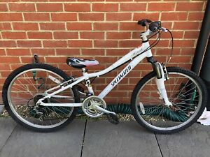 Specialized Hotrock 24 Inch wheel mountain Bike with 11 Inch frame.