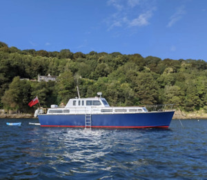Classic 45ft Motor Yacht 6 berth live aboard day boat houseboat