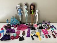 Huge Lot of Mattel MONSTER HIGH DOLLS Clothing And Accessories. 76 Pieces Parts