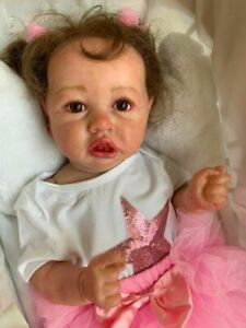 LOVELY REALISTIC HANDMADE SILICONE DOLL. BABY GIFT GIRL .22 pouces
