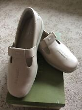 Hotters Shoes Size 7 Beige