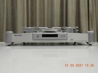 Shanling CD-T100A Tube CD player. 4 x Burr-Brown PCM-1704 DACs & PMD-200 HDCD IC