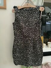 "Warehouse beautiful pencil dress. SIZE 12 pit to pit 18"" length 32"""