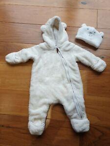 H&M Boy Girl White Fluffy Lined Hooded Pramsuit 2-4 Months
