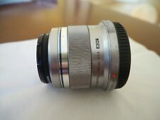 Olympus M.Zuiko 45mm F/1.8 Lens Silver with UV filter and hood Used