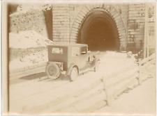 France, Voiture d'époque  Vintage silver print. Vintage car.  Tirage arge