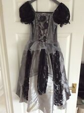 girls  Corpse Bride Hallowing costume size 8-9 yrs