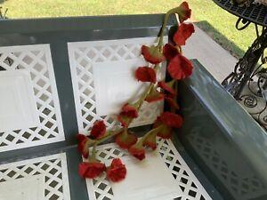 Wonderful Red & Green Felted Flower Garland Scarf