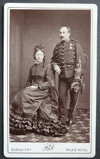 Photo Cdv Couple Militaire Médaille Officier Par Bureau Paris Vers 1870