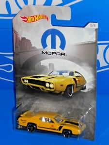Hot Wheels 2018 Wal-Mart MOPAR Series #5 '71 Plymouth Road Runner Yellow