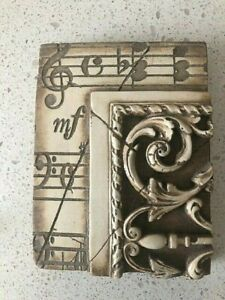 Sid Dickens RETIRED Memory Block - T04 Music with Moulding
