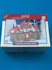 2000 Lemax Santa's Sleigh Station Christmas Villaged Lighted