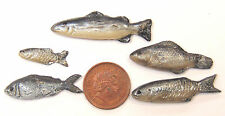1 12 Scale Set of 5 Loose Silver Polymer Clay Fish for a Dolls House Kitchen E