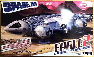 KHS-MPC- SCALE 1:48 SPACE 1999 EAGLE 2 LABORATORY POD MODEL (#MPC923/06)-3333