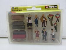 Noch 15576 FUNERAL Coffins People Figures Attending HO Scale NEW Old Stock
