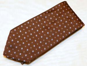 NEW HART SCHAFFNER MARX  men's tie 100% Silk  Made in United Sates