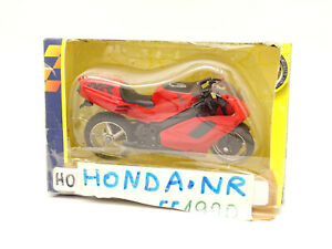Motormax 1/18 -  Moto Honda NR Rouge 1990