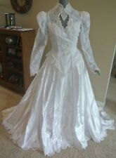 Illustra Traditional Long Sleeve White Lace Bridal Gown Wedding Dress Size 10